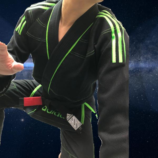 柔術着・ラッシュガード・ファイトショーツで世界のブランド・アディダス adidasの柔術衣